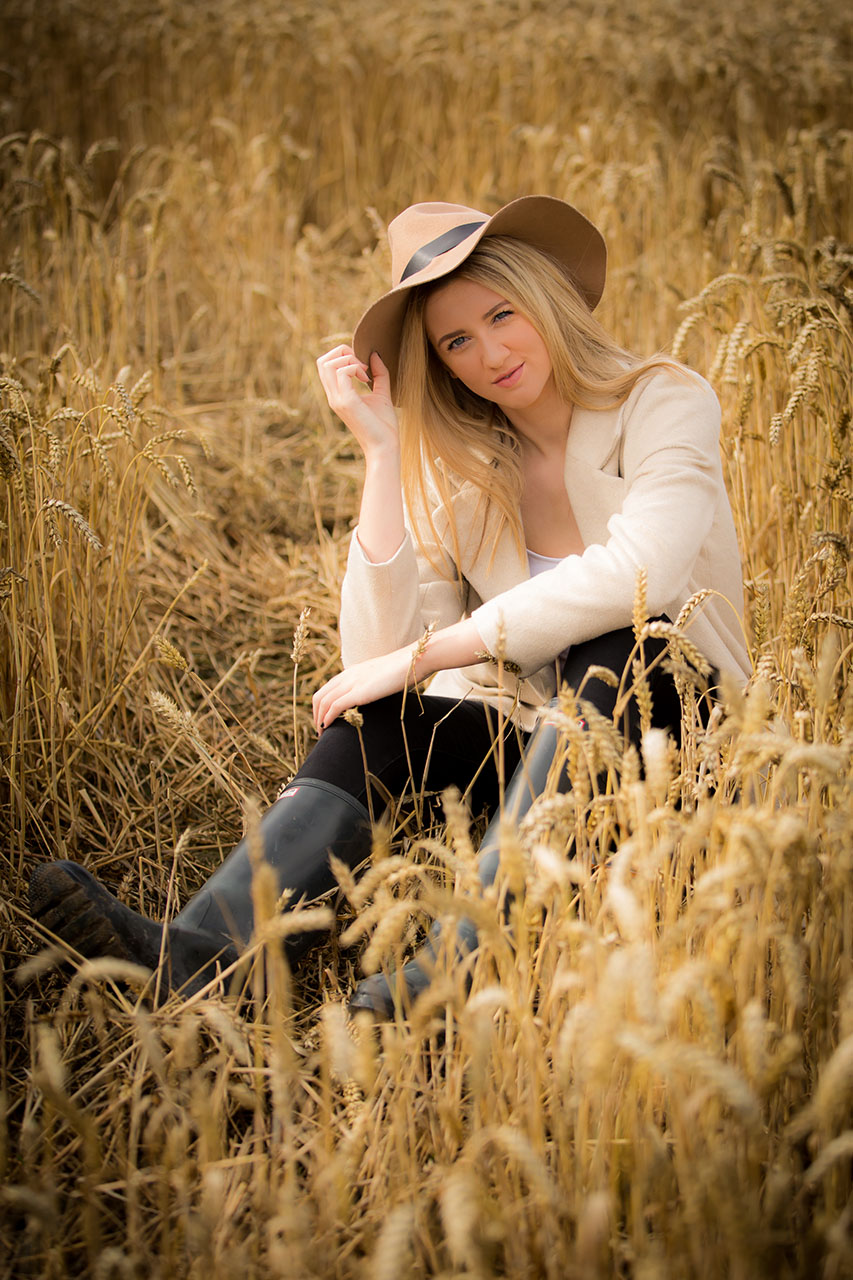 Traci Habergham Photography Huddersfield Model Portfolio Cornfield