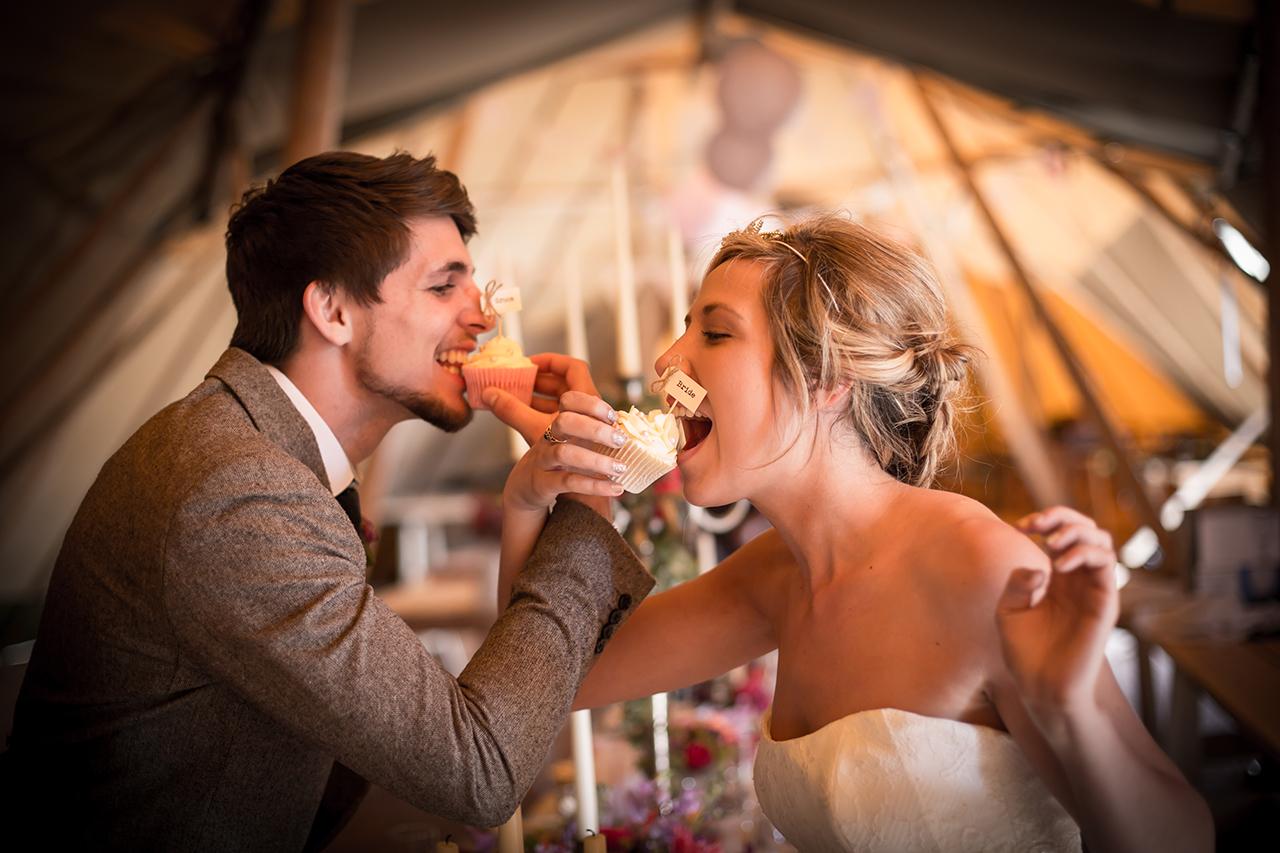 Traci Habergham Photography Oaklands Wedding Cupcakes